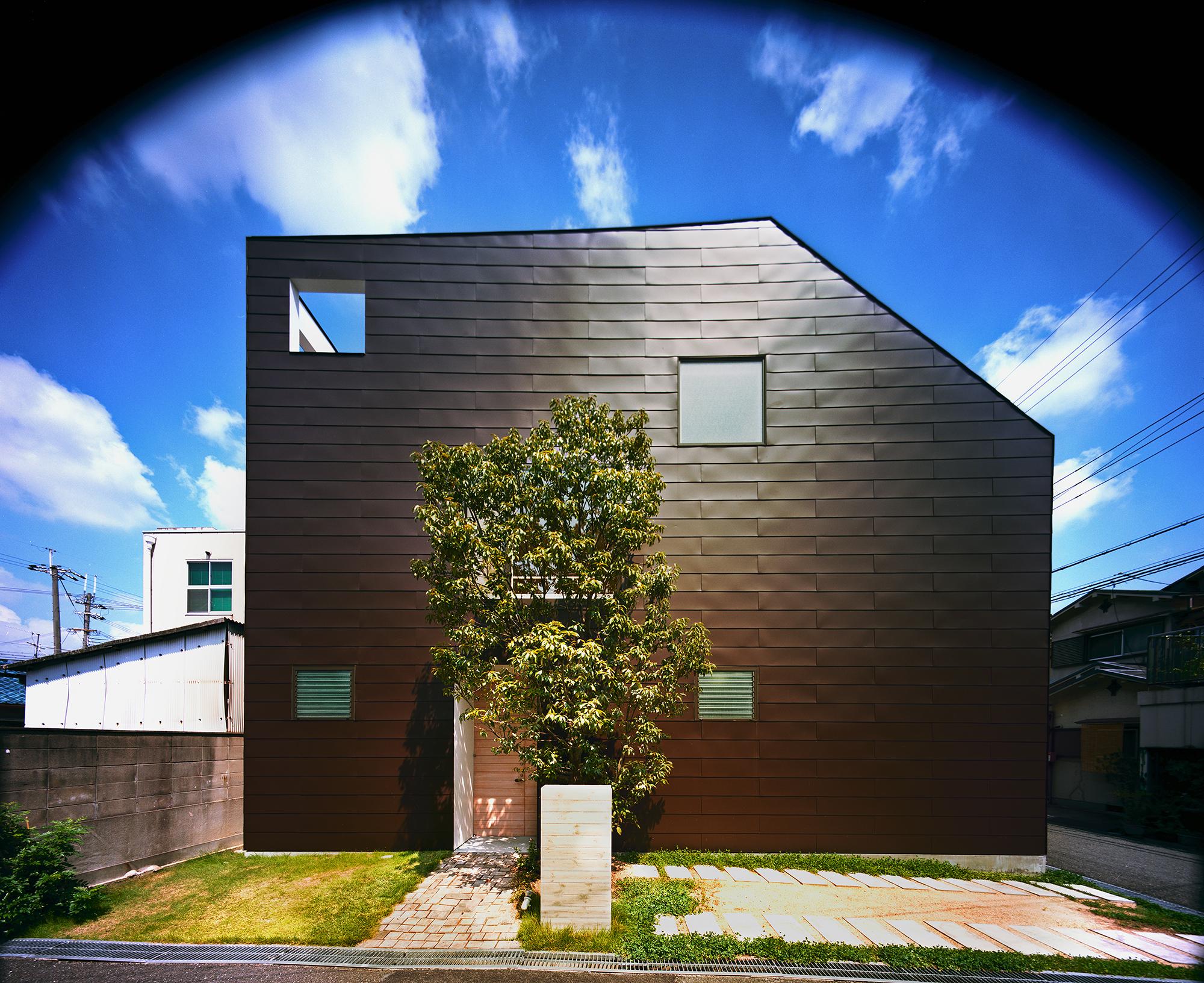 建築家設計、木造3階建ての住宅