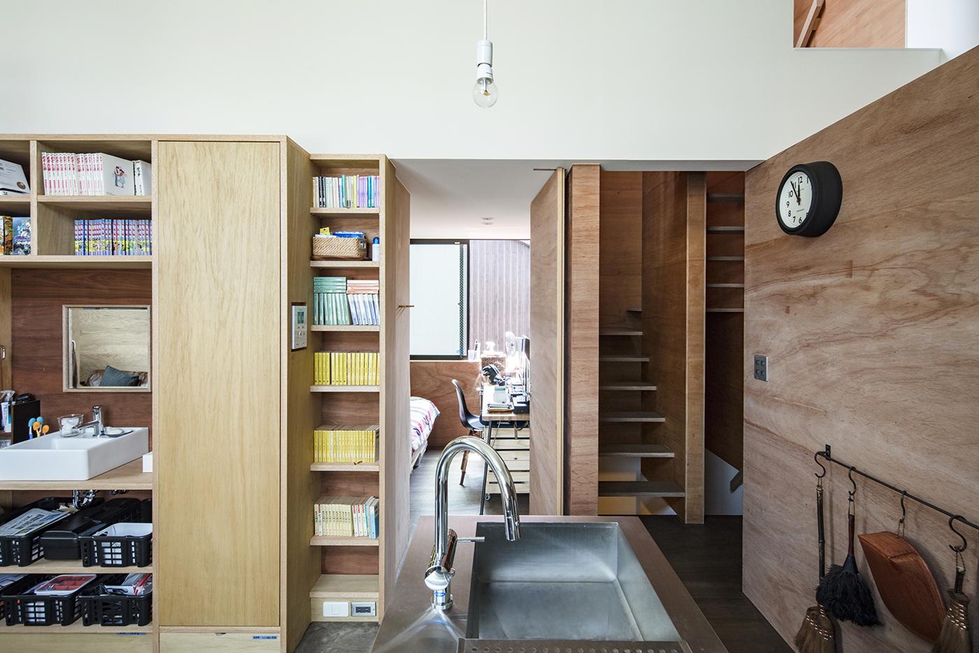 東大阪鳥居町の家個室と階段