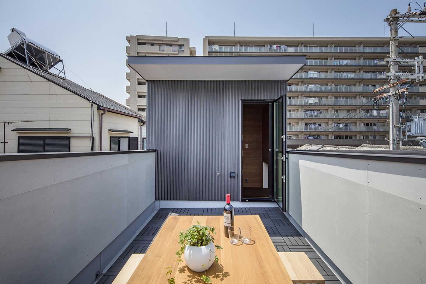 東大阪鳥居町の家屋上テラス