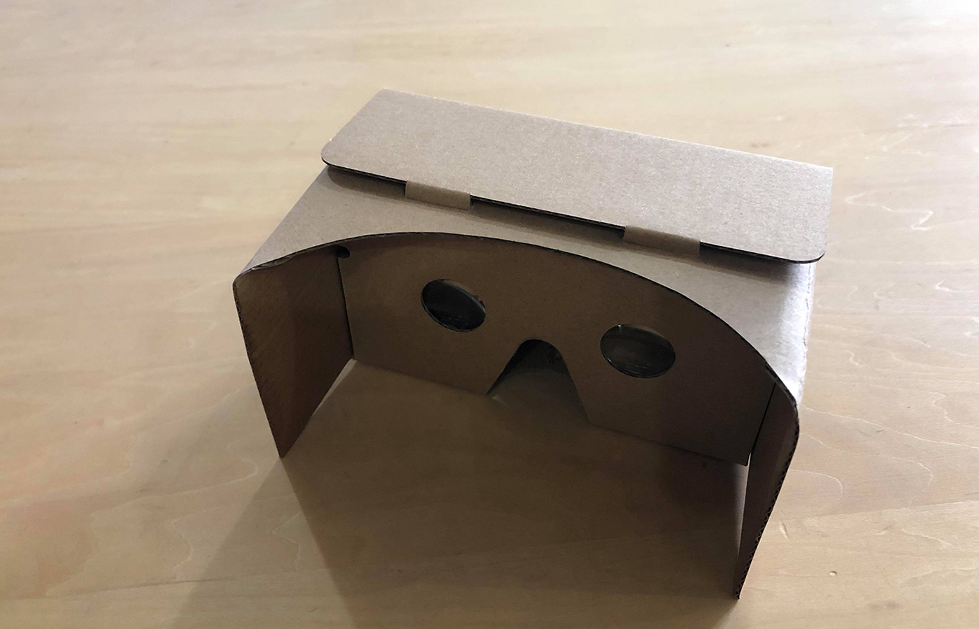 VRで建物内を歩き回る