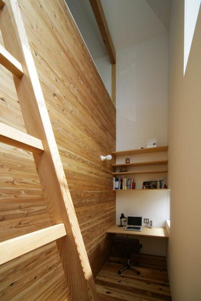 吹き抜けの書斎、甲賀の家