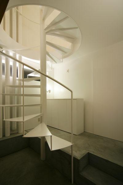 狭小住宅、らせん階段