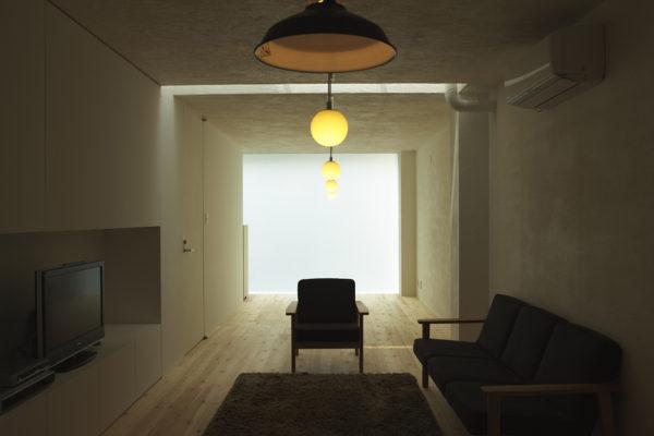 ミニマルな住宅リビング