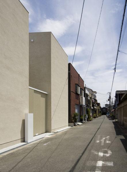 中庭のある二世帯住宅外観