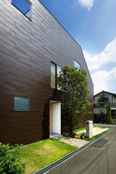 木造3階、シンプルな家