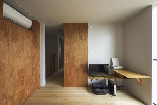 様々な庭のある家、個室