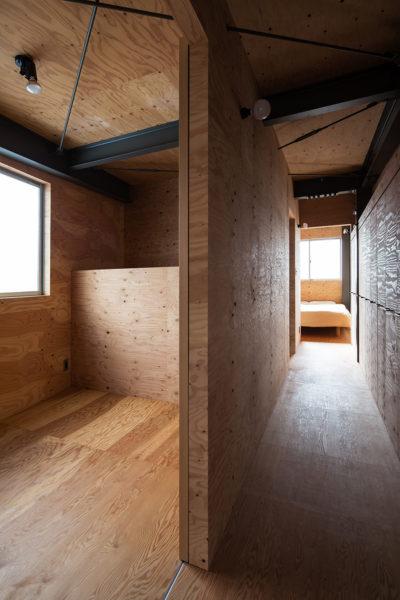 倉庫のような住宅寝室