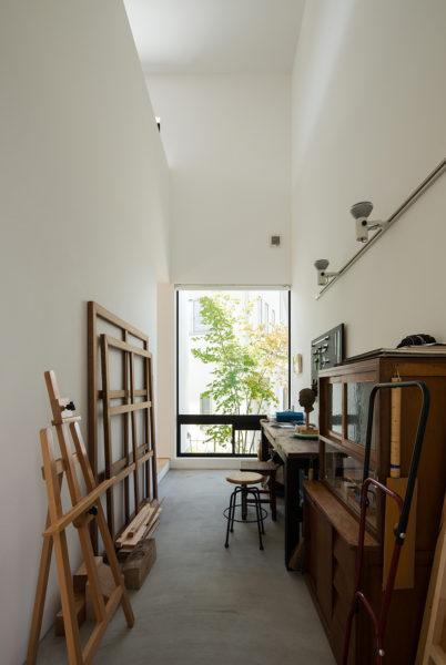 アトリエのあるシンプルな住宅