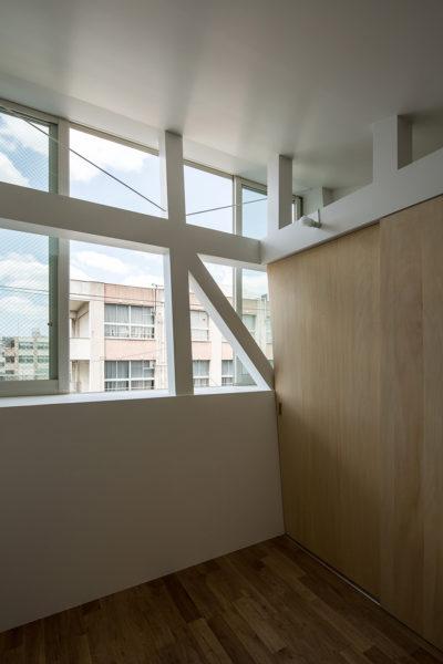 3階建て狭小住宅