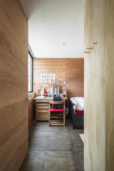 鳥居町の家子供室